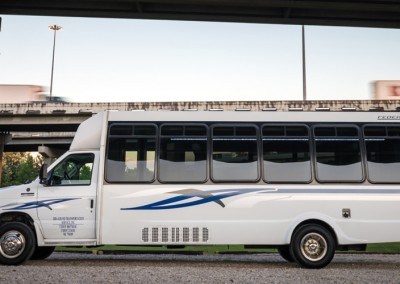 Sam's Limousine - Shuttle Bus