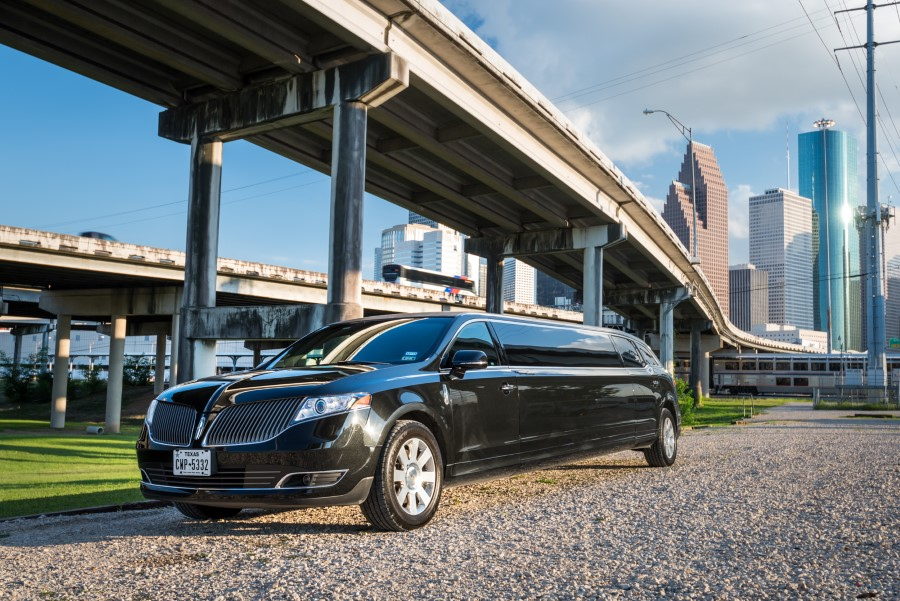 Stretch-Limousine-rental-houston